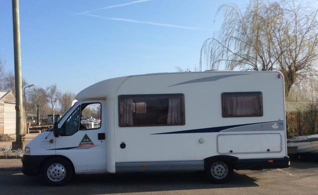 Fijne camper voor een heerlijke vakantie met 2 personen