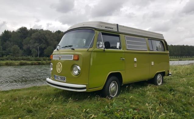 Beautiful retro Volkswagen T2 camper