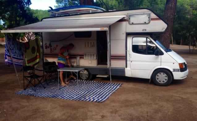Campereddu on the road  – Ford Freedom camper