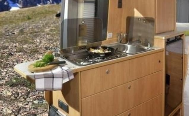Pössl 2 Win Plus 2019 – All-Inclusive camper for a carefree dream holiday!