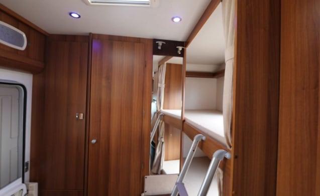 Trimarano – Very nice luxury camper