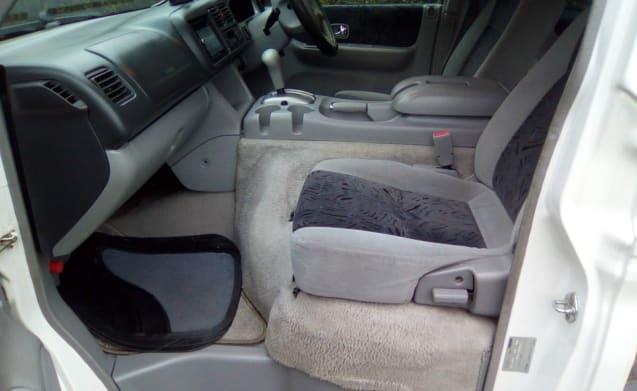 Mazda Bongo - benzinecampervrij te huur