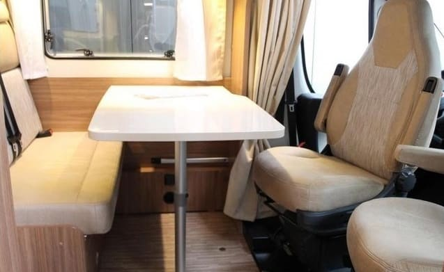 young complete motorhome (2017) with 2 x air conditioning etc.