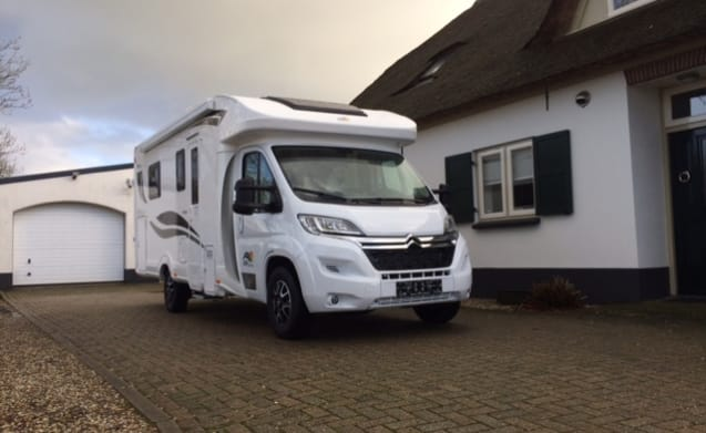 T590 – Autumn holiday action !!! New SUNDRIVER motorhome (max. 5 people)
