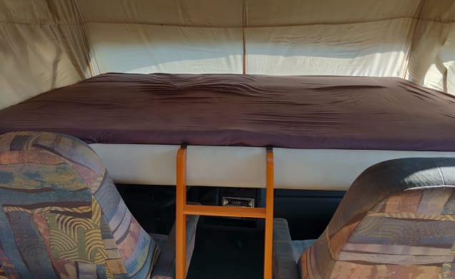 Spacious and cozy Hymer motorhome for 4 people!