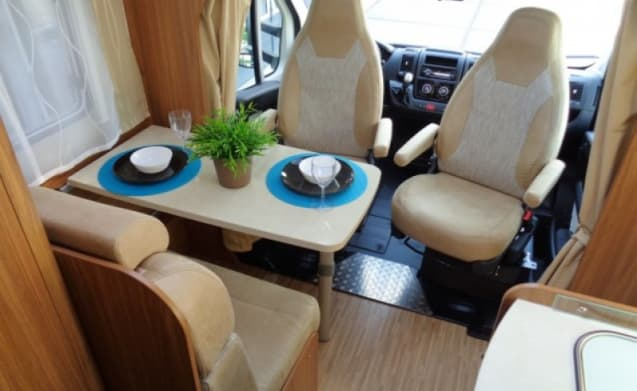 Comfortable motorhome for 3 people / CSB3