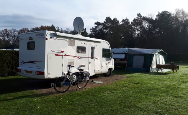 For rent our beautiful spacious camper with large garage