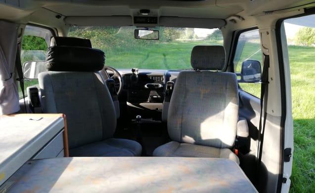 California Coach – Gezellige compacte Volkswagen camper T4