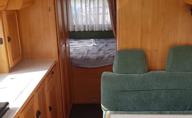 spacious reliable comfortable Hymer B644