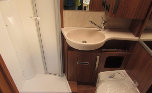 Exsis T 588 – Hymer Exsis T588 with vignette Switzerland 2019