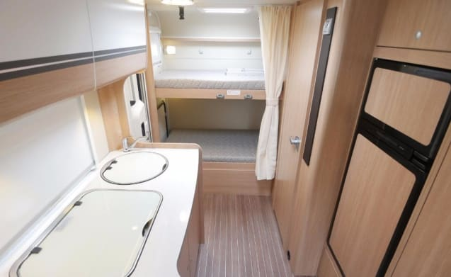 Luxury family camper (2016), 6 people, complete to go on holiday with!