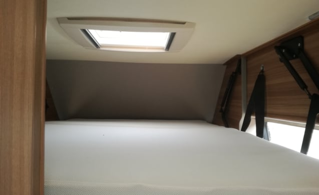 CARABUS – beautifully furnished campervan with all comfort for 4 people