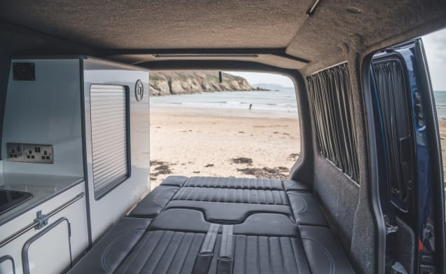 Cosmo, classic style T5 surf van sleeping 4