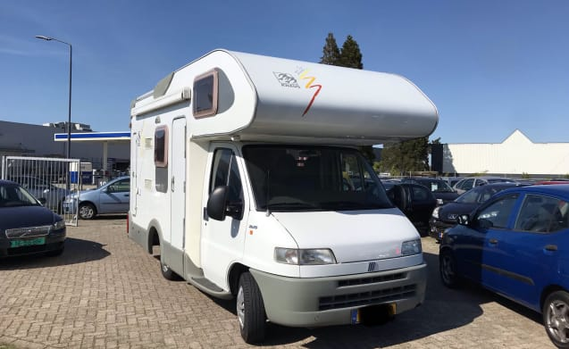 Knaus 504 – Krachtige compacte Knaus 504 (160 pk en 566 cm lang)