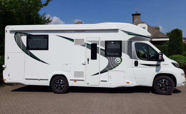 Cozy, modern, neat motorhome with queen bed