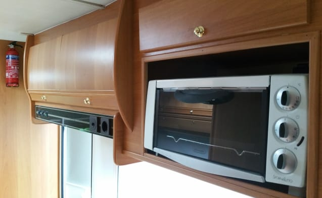 Sammy – Very complete and luxurious Fiat Ducato with room for 5 sleeping places