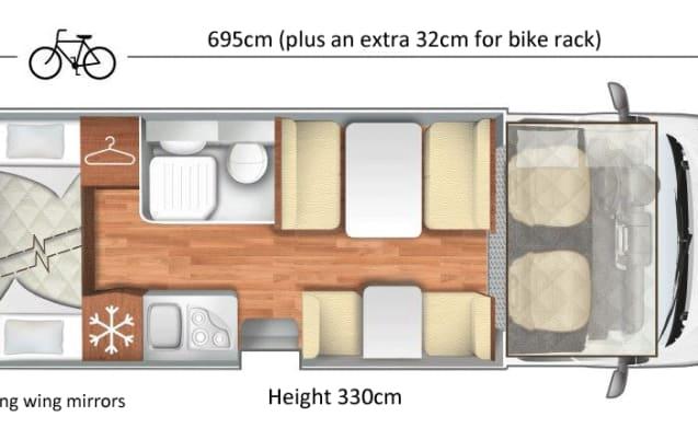Spacious Motorhome sleeps 6/7 with solar panel and bike rack