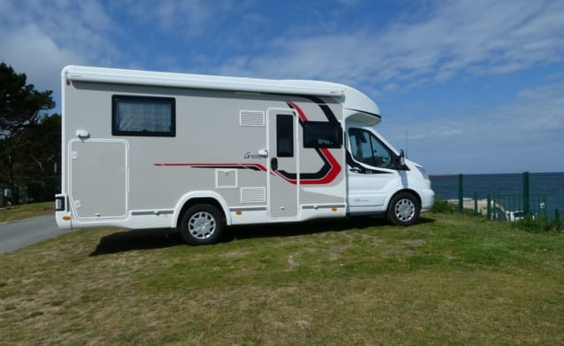 Magnificent New Motorhome For 4 People Automatic Download Free Architecture Designs Scobabritishbridgeorg