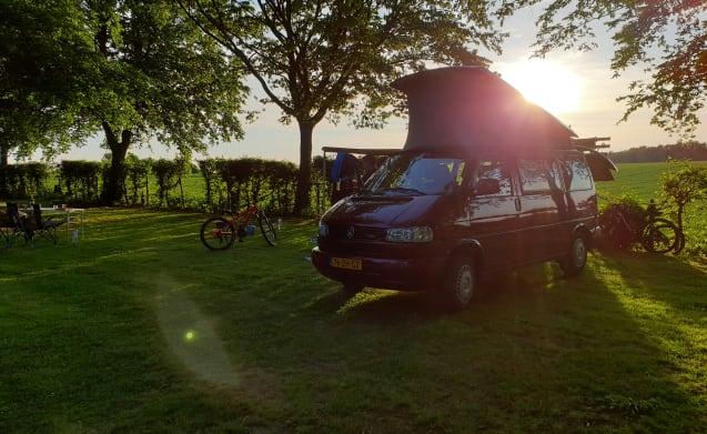 Het avontuur wacht..... check onze VW camperbus T4!