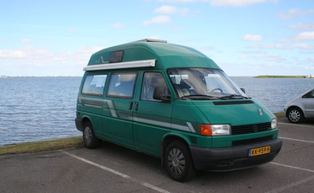 "Villa – Volkswagen T4: perfectly arranged driving ""Villa"""