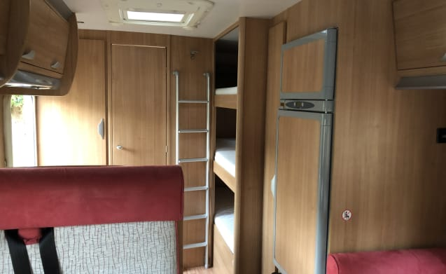 Spacious and comfortable family camper for 6