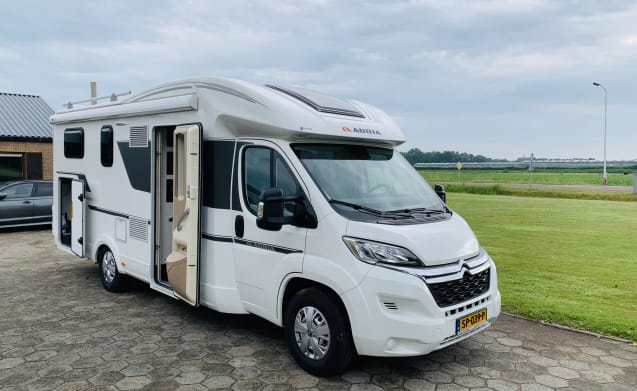 Adria matrix 680 SL model 2018 (4-5 pers / complete. For vacation)
