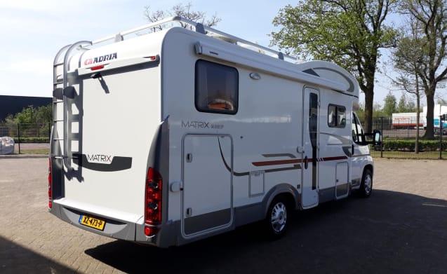 Luxe 6 persoons camper met airco voor een comfortabele reis & vakantie!