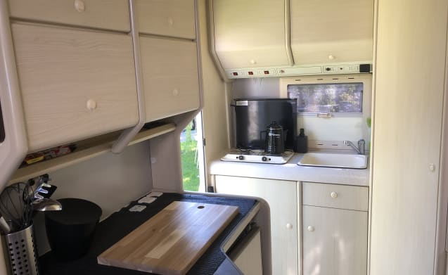 Fresh, clean, complete and pleasant camper for rent!
