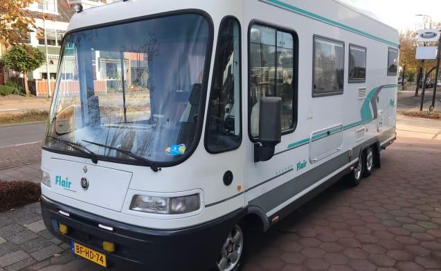 Guus – C- Driving license NIEMANN BISSCHOFF FLAIR 7100 SPACIOUS FAMILY CAMPER