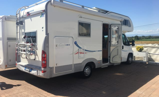 Motorhome with 6 beds