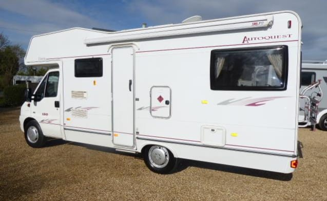 Ellie The Elddis  – Peugeot Autoquest 180 6 berth