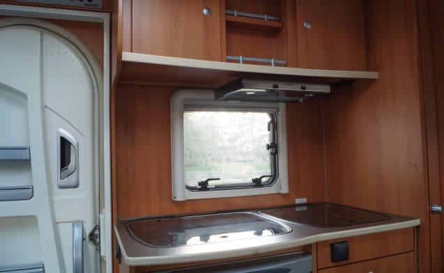 Dethleffs Jubivan 2.2D Summer Edition – Comfortable and compact 2-person camper