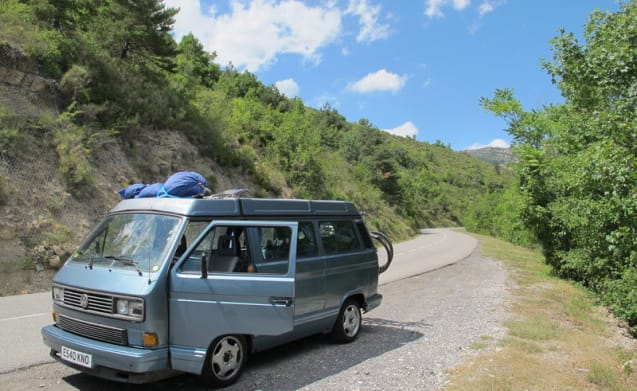 VW T25 Westfalia 'Multivan' 4 berth campervan 'Lenny'