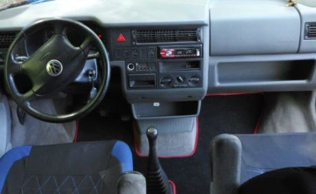Busje Wijsneus – VW Westfalia California Coach camper bus 1999