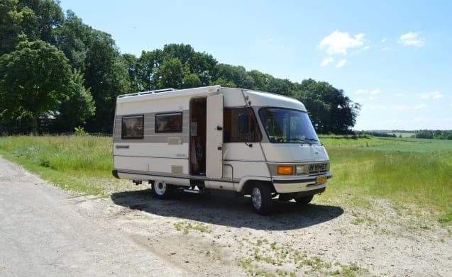 Betrouwbare Hymer camper uit 1992 voor 2 personen!