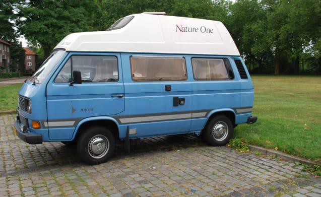 Really Nice Nostalgic Campervan Volkwagen for rent