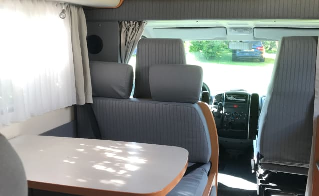 Club Nomade – Club Nomade 6p family motorhome Hymer