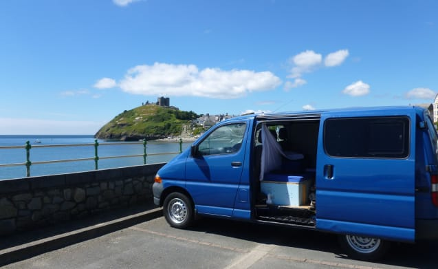 James – JAMES the Toyota Hiace (with night heater)