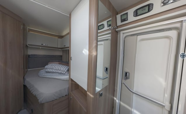 Islay – ISLAY Automatic - Escape with our 2/4 berth ISLAY Motorhome