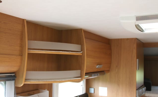 Superbrig 689TC – Fantastic family camper 7 person bunk beds Superbrig 689 TC