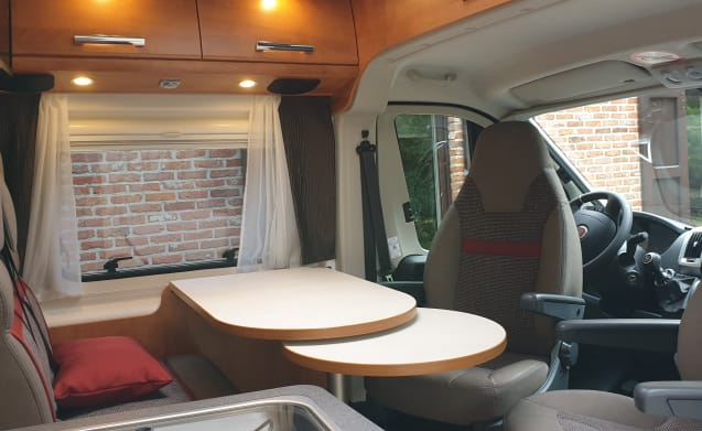 Brand new Malibu Van 640, ideal for two people