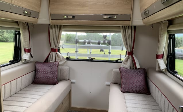 Monty - Luxury Spacious 6 Berth 2019 Motorhome with drop down bed