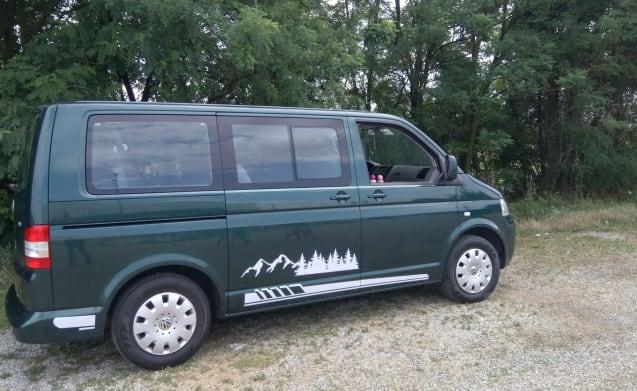 Caravelle – Volkswagen Van Sharing T5 Caravelle - 9 reiszetels / 4 slaapplaatsen