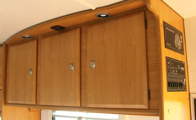 Very spacious Maess family camper with bunk beds!