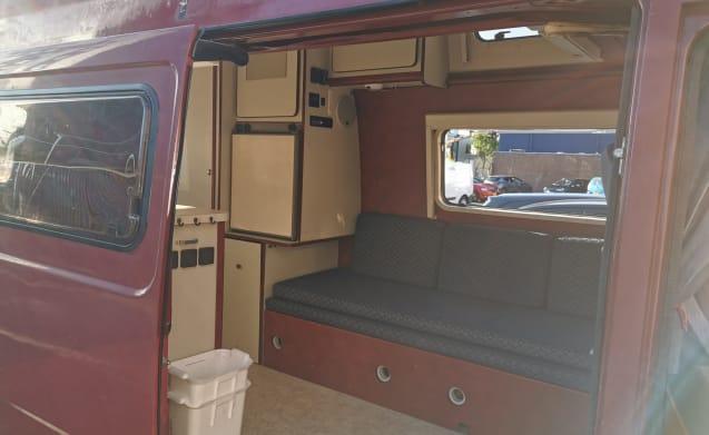 Mercedes 210 Camper!