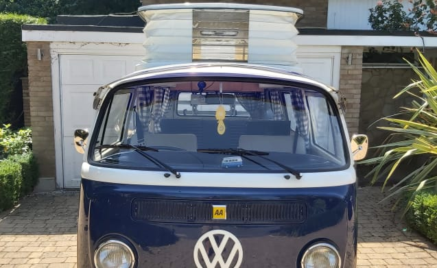 Dave the Camper Van – Classic VW Bay Camper