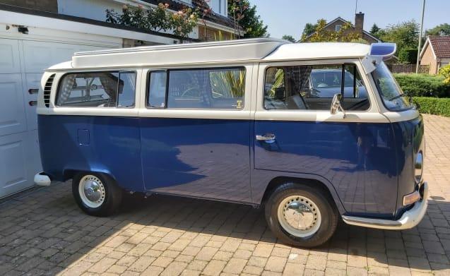 Dave the Camper Van – Classic VW Bay Camper