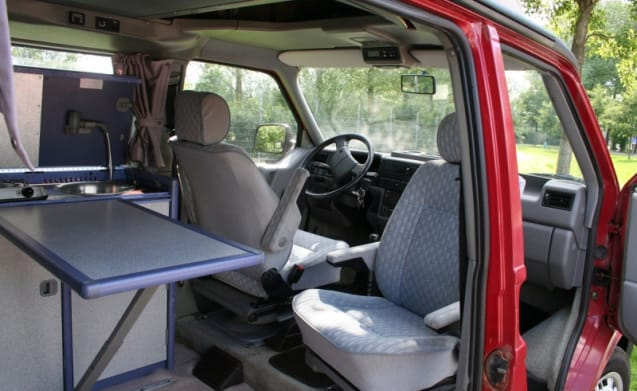 Our Compact Volkswagen T4 California manoeuvrable and can be parked everywhere