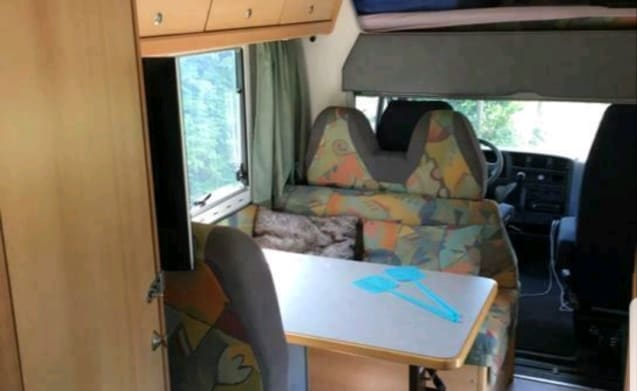 Reliable spacious 6 person with luxury fixed bed