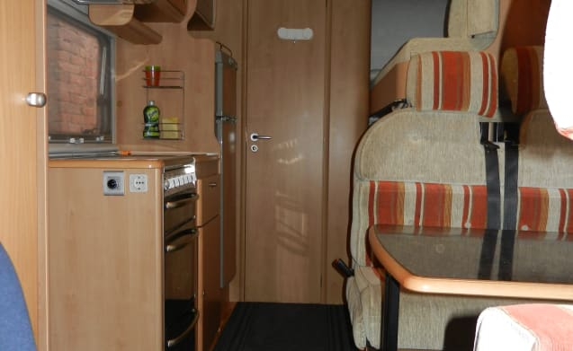 Camper ready to go, 4 beds always ready.
